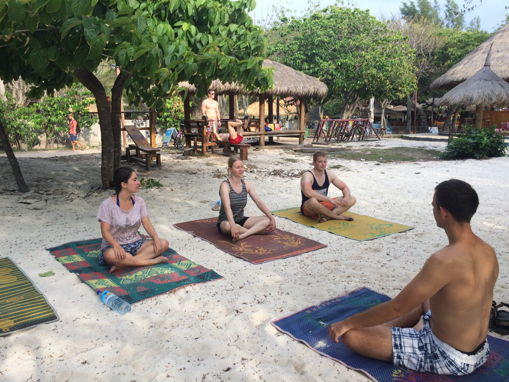 Sunset Beach Yoga geven